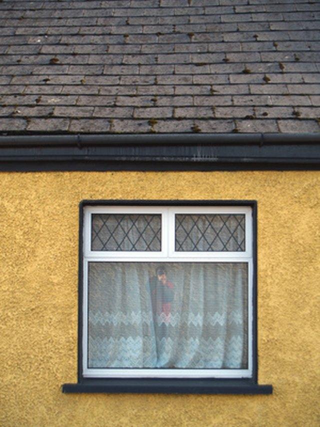 Can you paint vinyl clad andersen windows hunker for Painting vinyl windows exterior