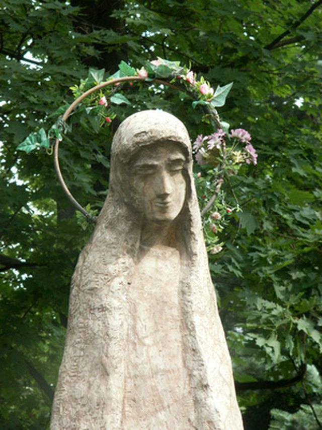step 1 - Concrete Garden Statues