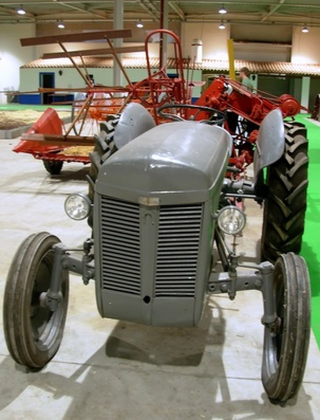 How to Put Oil Into a Ford Jubilee | Hunker