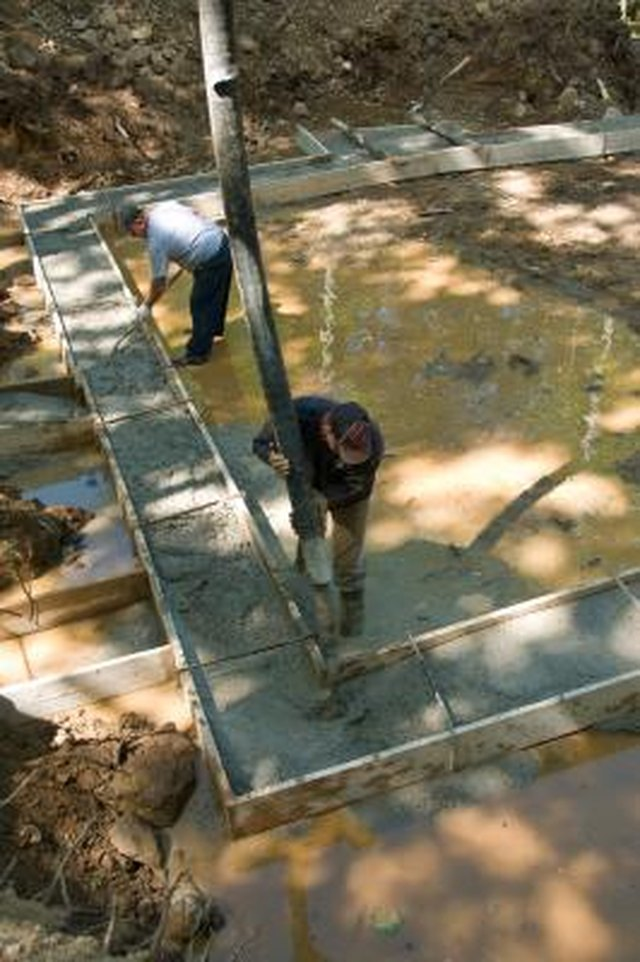 How to Keep Concrete From Sticking to Wood | Hunker
