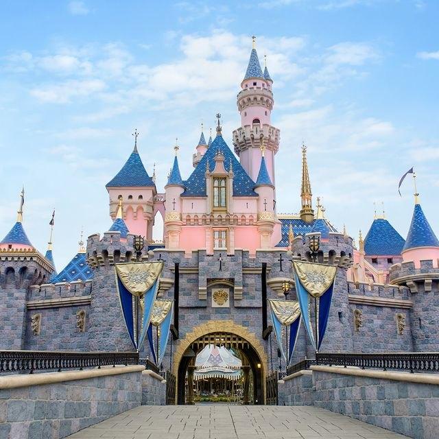 Disneyland Is Bringing Back Its Most Beloved Dessert | Hunker