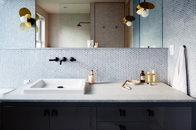 11 Blue Bathroom Backsplash Ideas That You Won't Be Able to Resist | Hunker