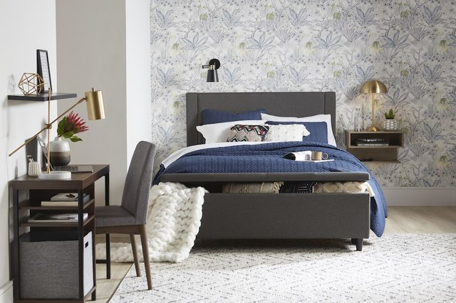 Win at Hosting: Stock Your Guest Room With These 10 Essentials | Hunker