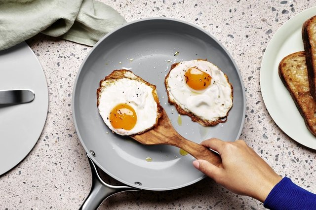 8 Pieces of Ceramic Nonstick Cookware That Will Level Up Your Kitchen Game | Hunker