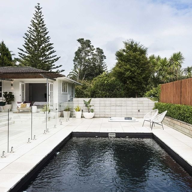 Here's What You Need to Know About the Black Bottom Pool Trend | Hunker
