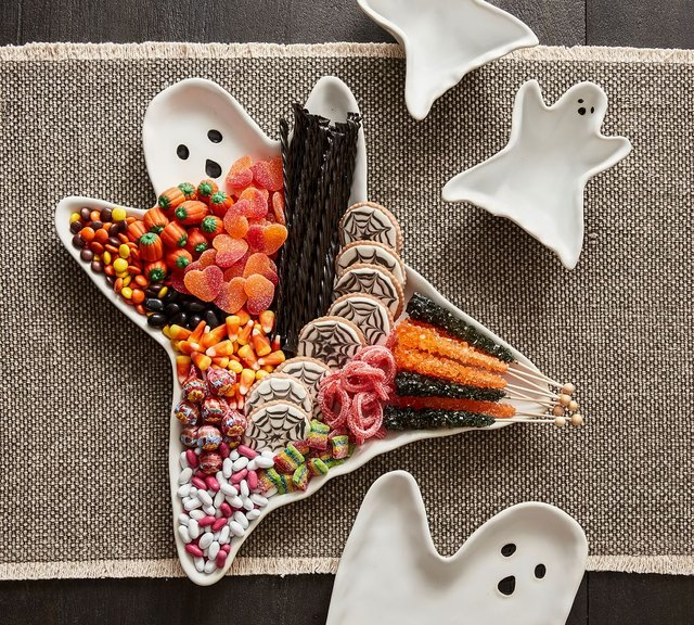 13 Hosting Essentials You Need for Your Fall Festivities   Hunker