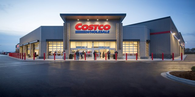 This Fan-Favorite Dessert Is Finally Back at Costco | Hunker