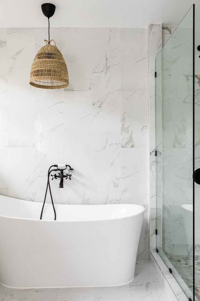Freestanding Bathtubs: What You Need to Know | Hunker