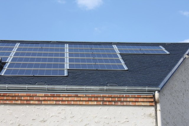 How to Wire a Solar Panel to a Battery to an Inverter | Hunker