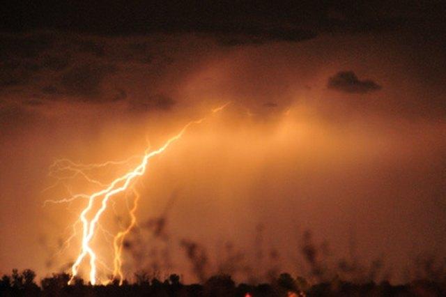 Types of Lightning Arresters | Hunker
