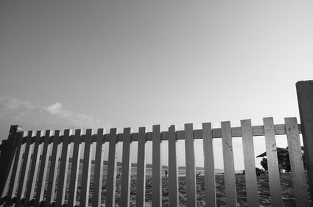 Regulations for Installing a Fence in Sacramento | Hunker