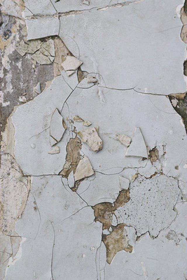 how to repair lath plaster walls hunker. Black Bedroom Furniture Sets. Home Design Ideas
