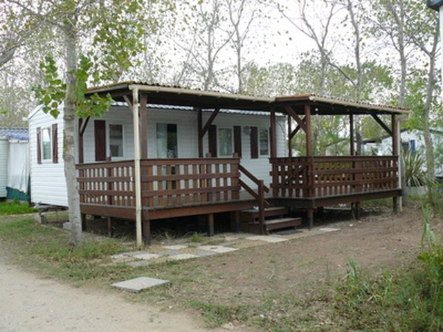 How Do I Build a Covered Porch on a Mobile Home? | Hunker