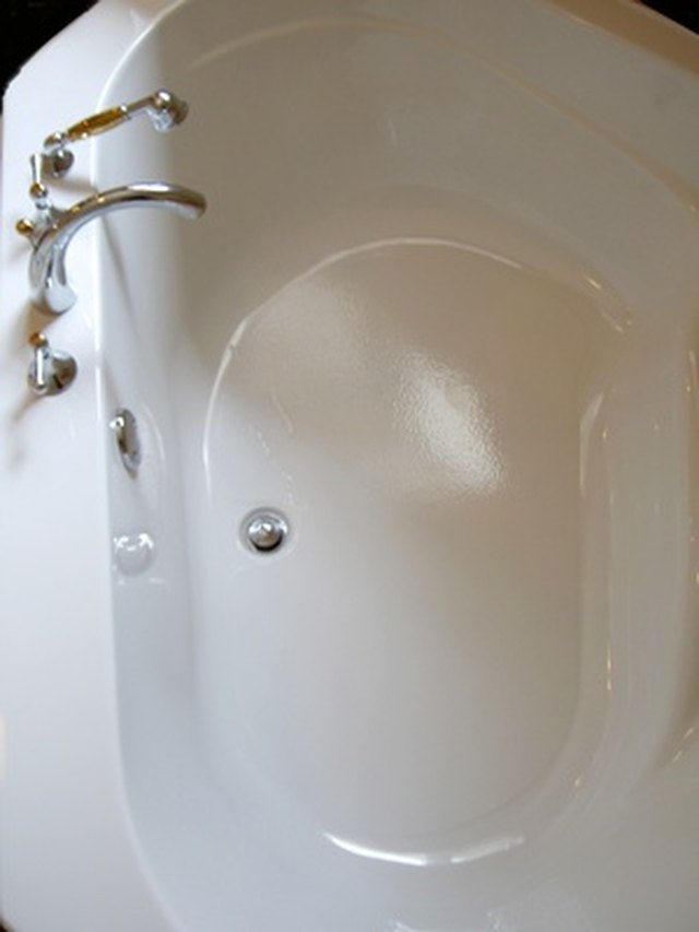 How to Remove Scratches From a Bathtub | Hunker