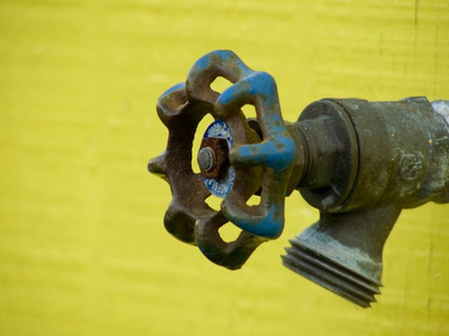 How to Fix an Outside Faucet Leak | Hunker