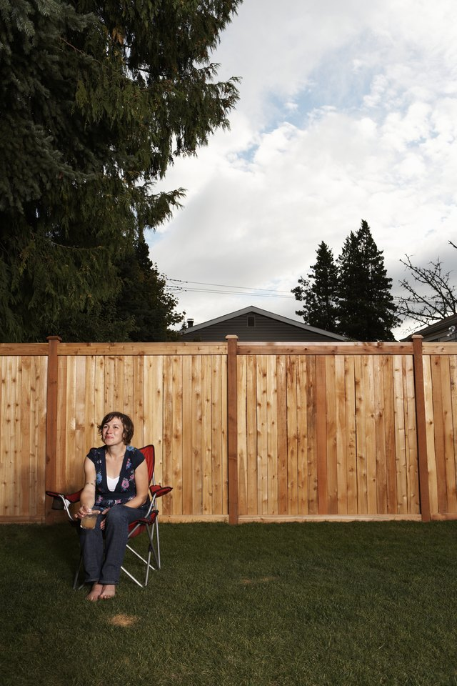 Cheapest Ways to Fence Your Yard | Hunker