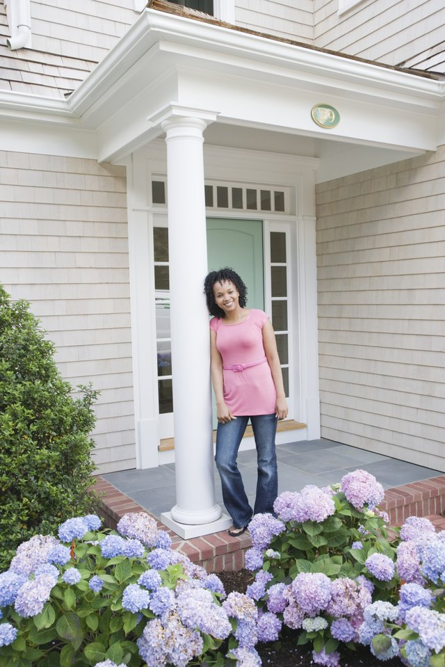How to Decorate Front Porch Columns | Hunker