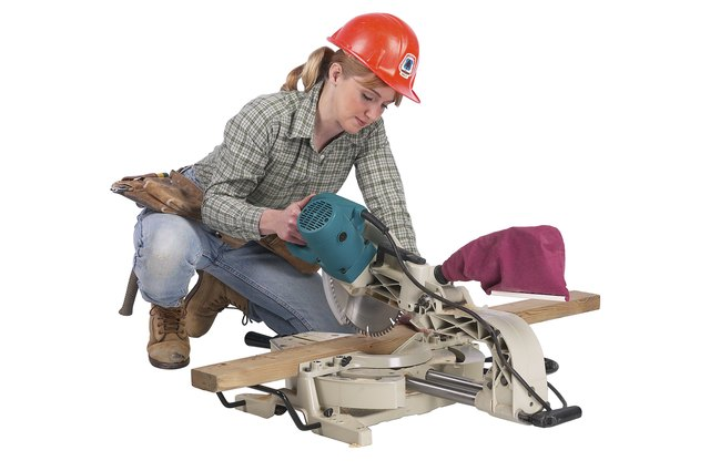 How To Replace The Blade On A Delta Miter Saw Hunker