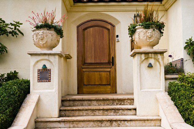 Front entrance to Spanish mansion