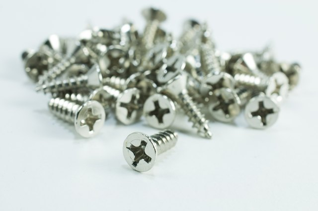 What Is the Difference Between Wood Screws & Sheet Metal Screws? | Hunker