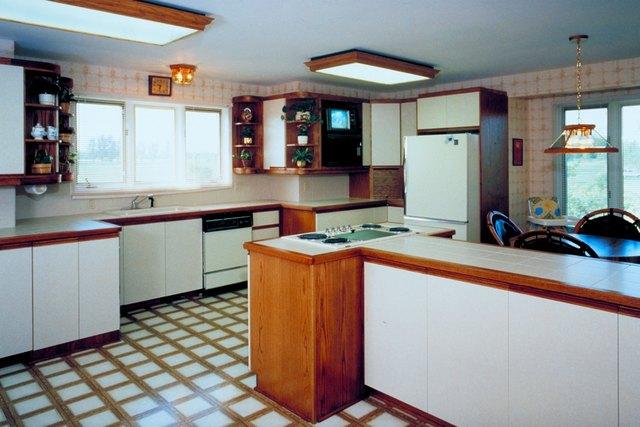 What Makes Linoleum Flooring Sticky? | Hunker