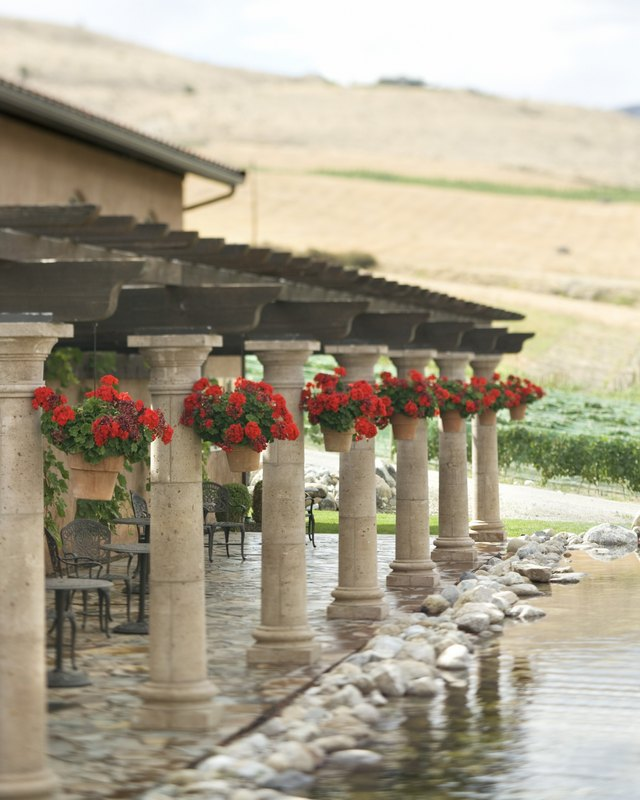How to Understand the Parts of a Pergola | Hunker