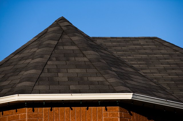 How To Lay Roofing Felt On A Hip Roof Hunker