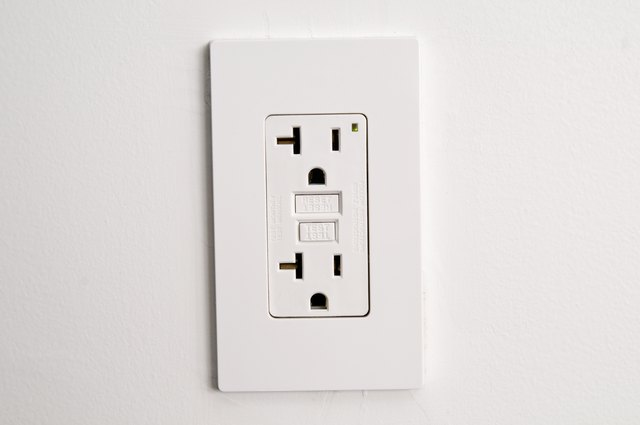 How to Check if an Electric Wall Outlet Is Grounded | Hunker