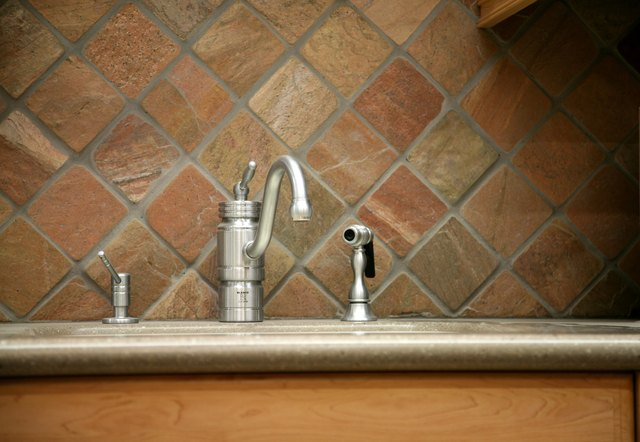 Kitchen Sink Faucet Is Not Working, But the Sprayer Hose Is | Hunker