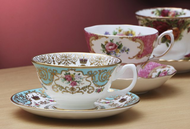 dating and valuing antique china
