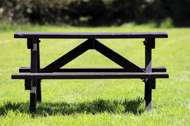 The Best Wood To Make A Picnic Table Hunker - Best wood for picnic table