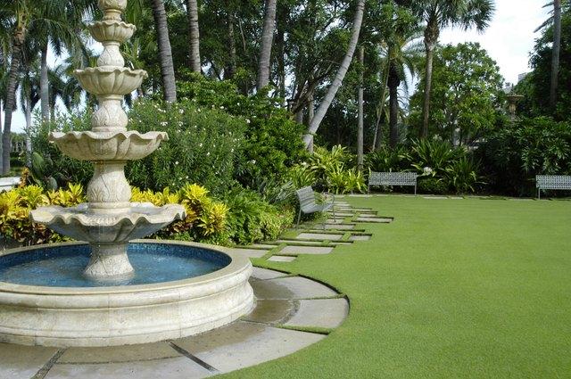 Fountain & Bench