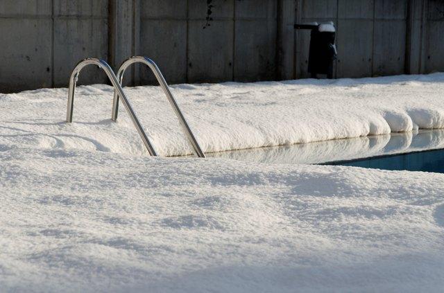 snow & swimmingpool