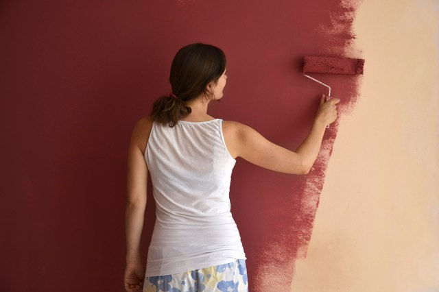 when painting do you paint the walls first or trim hunker. Black Bedroom Furniture Sets. Home Design Ideas