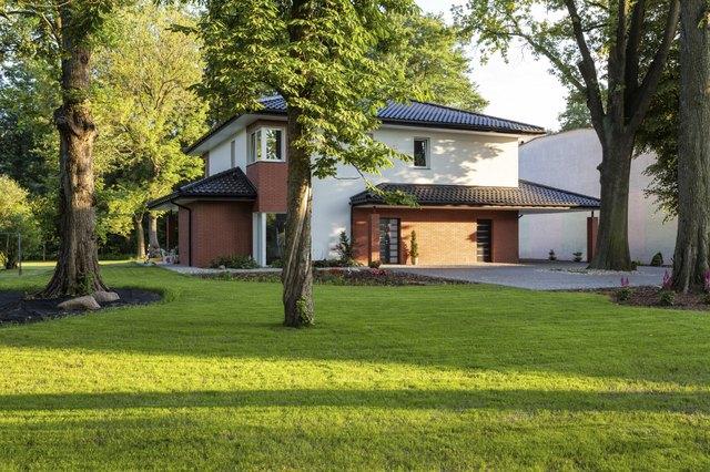 Outskirts residence