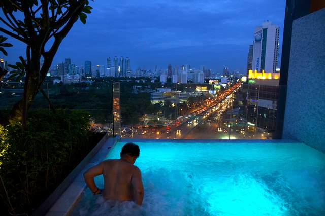 Thailand Boosts Top Resorts