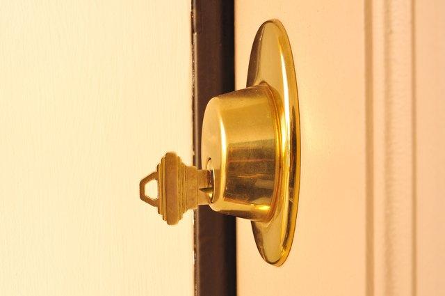 Dead Bolt (Deadbolt) Lock with a Key