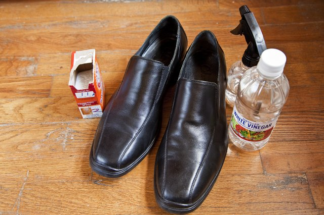 Fill A Spray Bottle With 1 2 Cup Of White Vinegar And The Inside Smelly Leather Shoes Is Not Only Deodorizing Agent