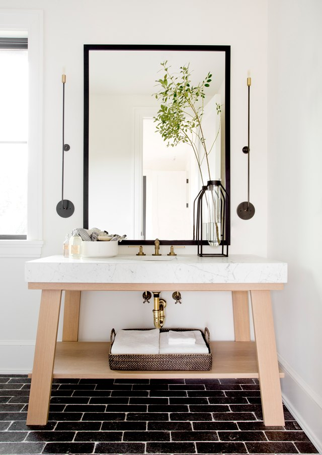 13 Contemporary Bathroom Light Fixtures to Update Your Bathroom | Hunker