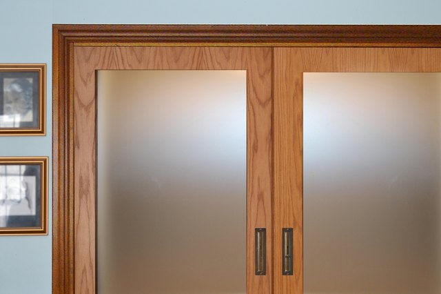 Exceptionnel If Your Home Is Still In Construction, You Might Want To Consider Pocket  Doors For Your Closets. Pockets Doors Require No Floor Clearance And They  Allow ...