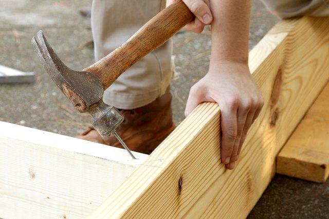 What Size Nails Do You Use for Framing? | Hunker