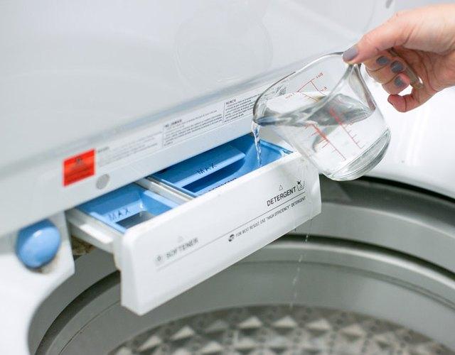 Use vinegar to clean washing machine