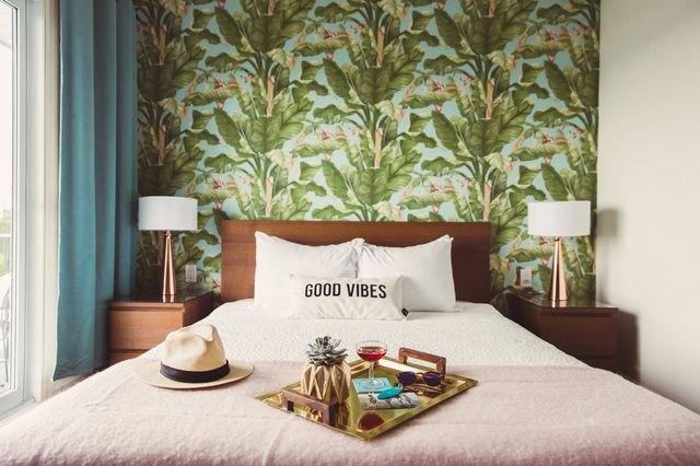 wallpaper in hotel room