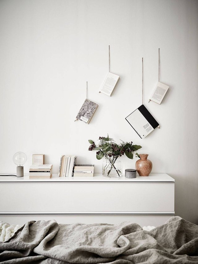 hang books on a string