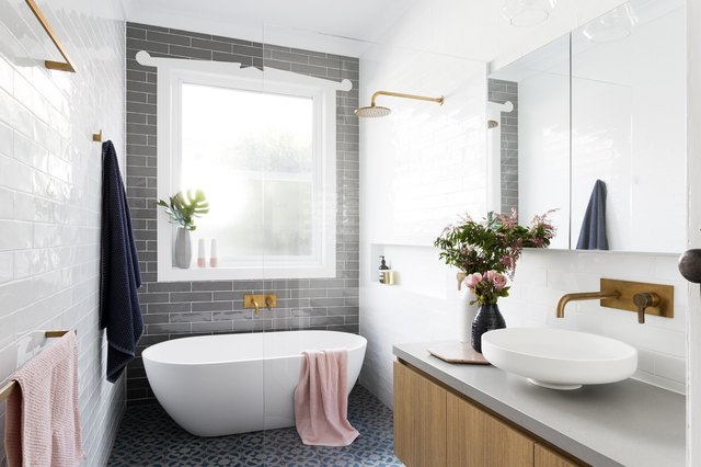 bathtub and shower combination