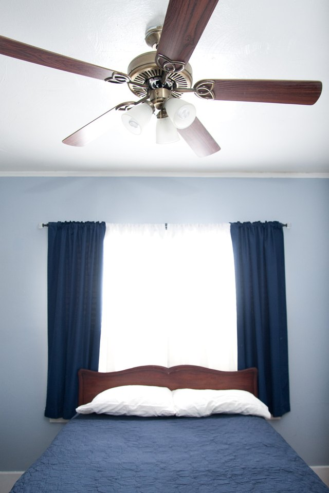 Ceiling Fans Come In A Variety Of Sizes Ranging From 30 Inches For Small Rooms To 70 Larger That Measure 52 Are The Most