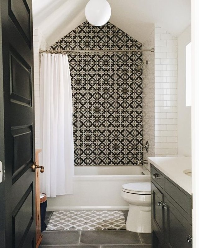 9 Tile Ideas For Small Bathrooms Hunker