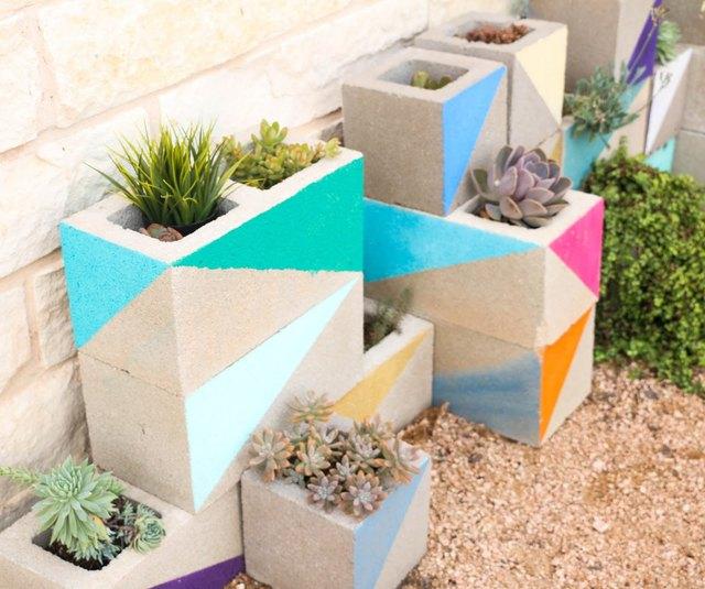 cinderblock succulent garden
