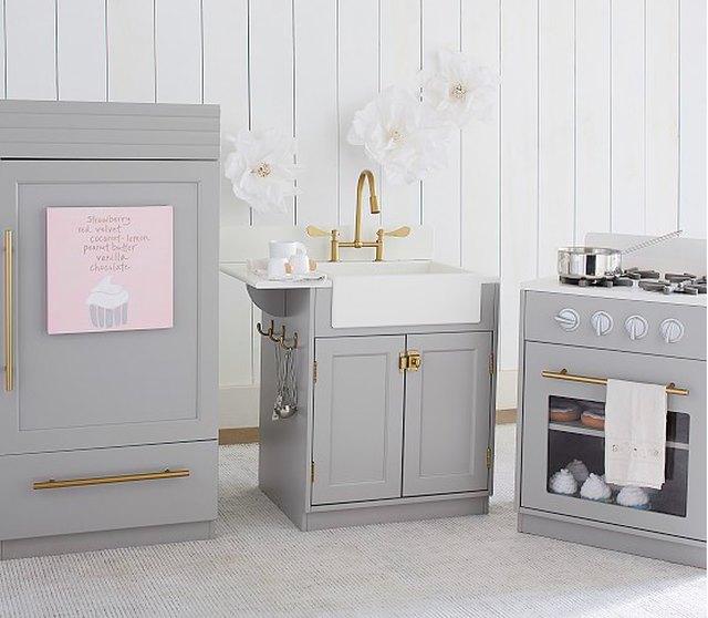 playroom mini kitchen