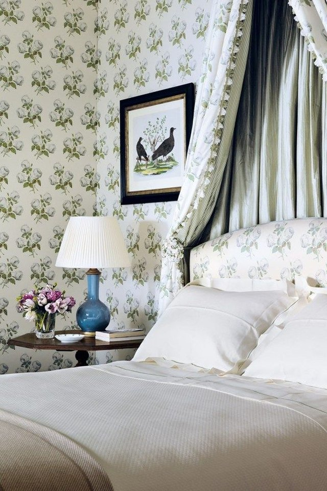 Cowtan and Tout wallcovering